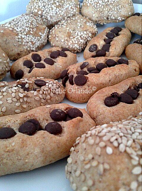 Biscotti Reginelle e Fagottini di Frolla ripieni di Cacao Fondente
