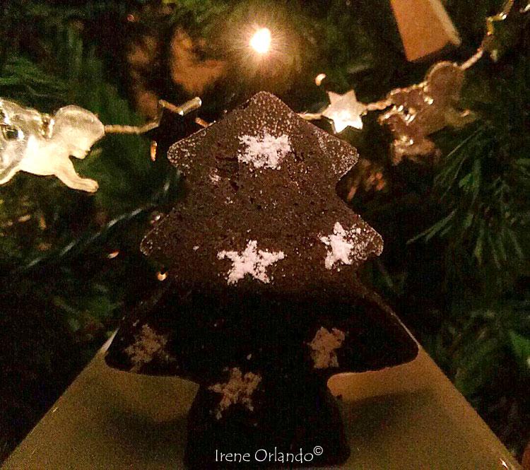 Dolce di Natale - Alberelli stellati al Cacao con gocce di cioccolato Fondente