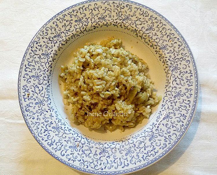 Piatto di Risotto Mantecato con i carciofi di Cerda e riso integrale Baldo
