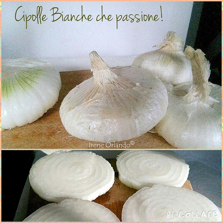 Ricetta delle Cipolle Bianche alla Pizzaiola - Tagliate a meta ed infornate con pomodoro, mollica e pan grattato